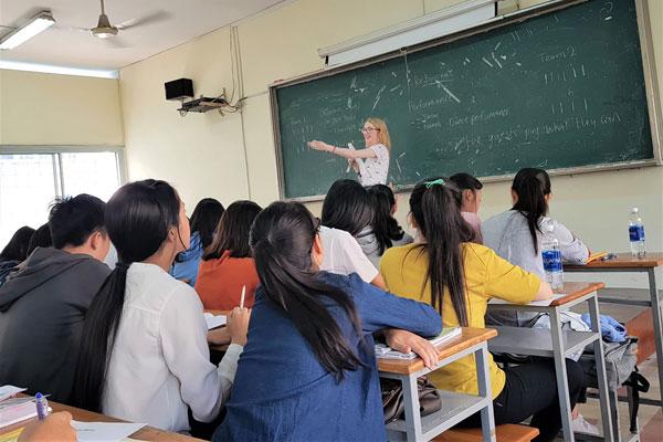 Delta - bằng dạy tiếng Anh nâng cao